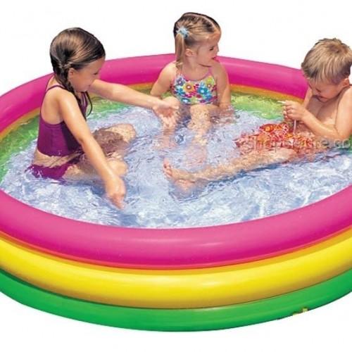 بركة سباحة ملونة للأطفال ماركة Intex حجم صغير
