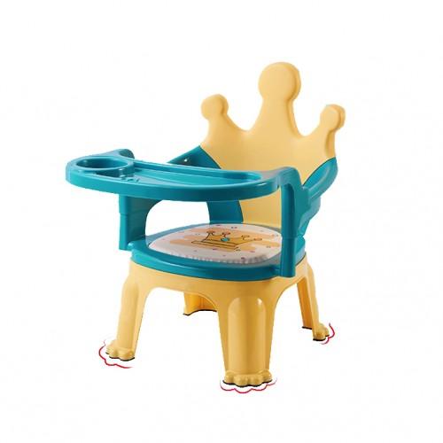 كرسي بلاستيكي للاطفال مع طاولة صغيره يمكن استخدامه للاكل والدراسة موديل 167-1
