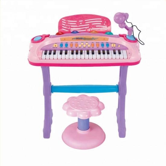 بيانو أطفال مع ميكرفون ومقعد والعديد من الوظائف الموسيقية
