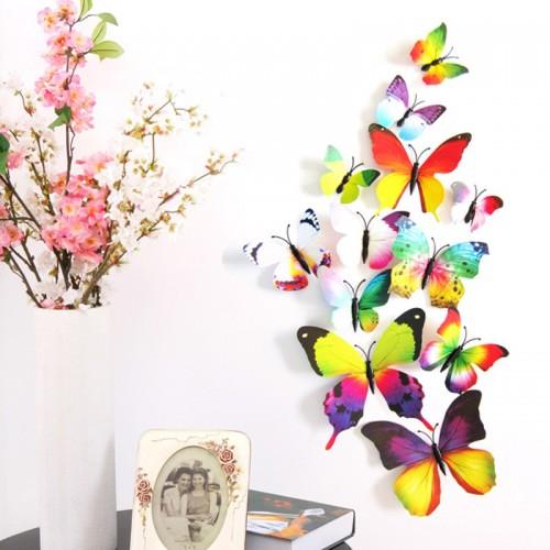فراشات ملونة للزينة يمكن تثبيتها على الحائط