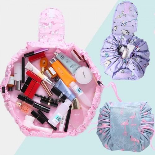 حقيبة متنقلة لحفظ مستحضرات التجميل والمكياج عند السفر او الرحل
