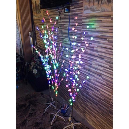 الشجرة المضيئة تعمل على الكهرباء بطول 160 سم