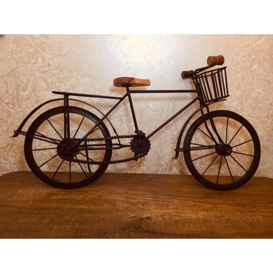 تحفة  منزلية على شكل دراجة