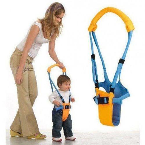 ووكر مساعد الطفل على تعلم المشي